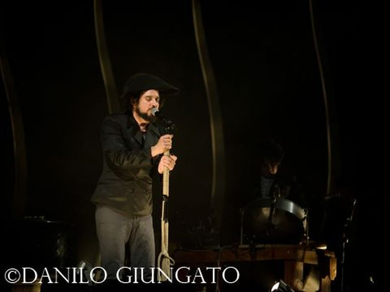 10 Maggio 2011 - Teatro Verdi - Firenze - Vinicio Capossela in concerto
