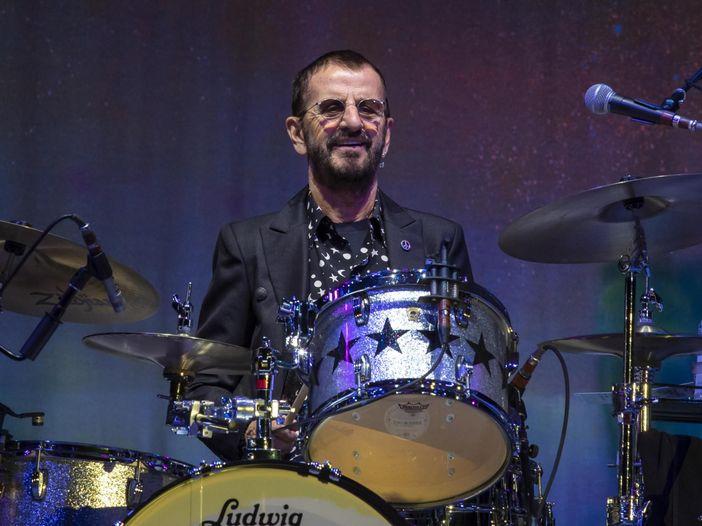 Ringo Starr: 'A 80 anni continuerò a suonare. E i concerti, oggi...'