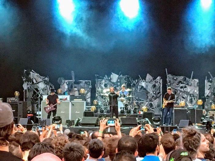 """Pearl Jam, concerto """"privato"""" e benefico di Eddie Vedder in Sardegna?"""
