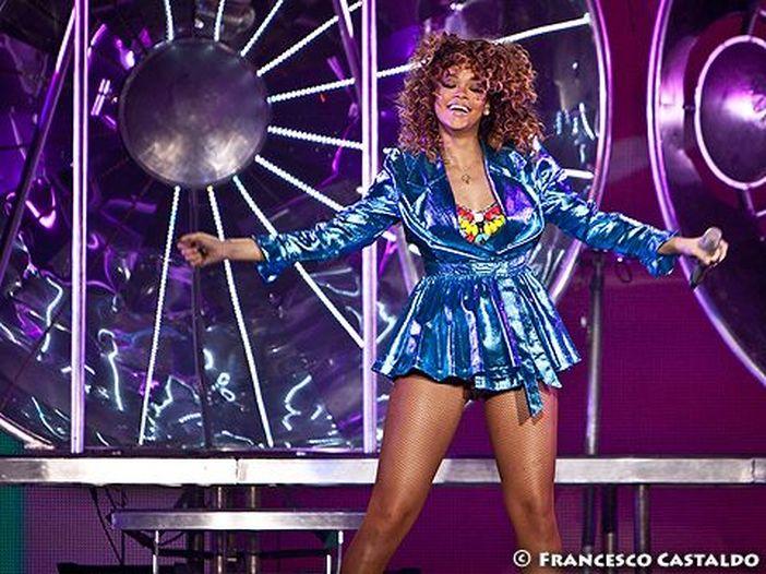 Bruno Mars e Rihanna artisti più piratati del 2013