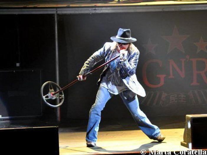 E' ufficiale: Axl Rose canterà con gli AC/DC in tour