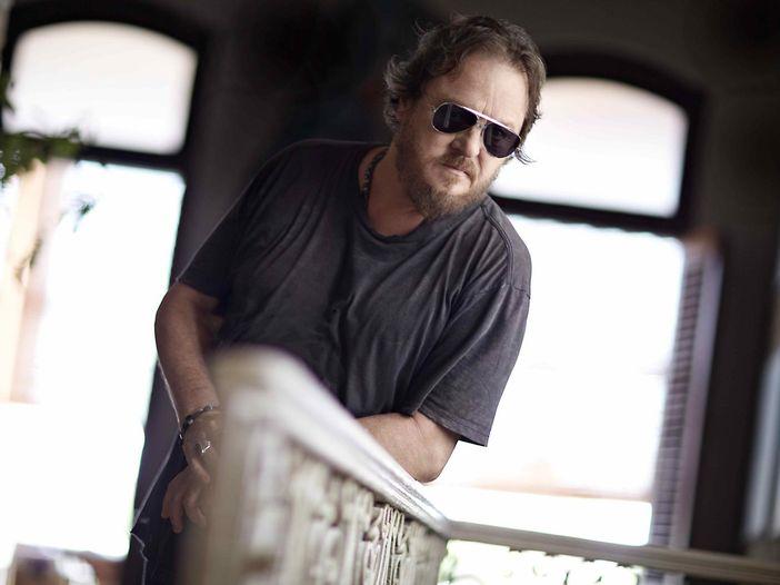 Zucchero, il nuovo album prodotto da Don Was, Brendan O'Brien e T-Bone Burnett: in 'Black Cat' c'è anche Mark Knopfler - TRACKLIST