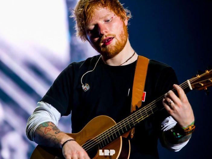 Ed Sheeran travestito da vampiro per il video di un nuovo singolo? Ecco le foto