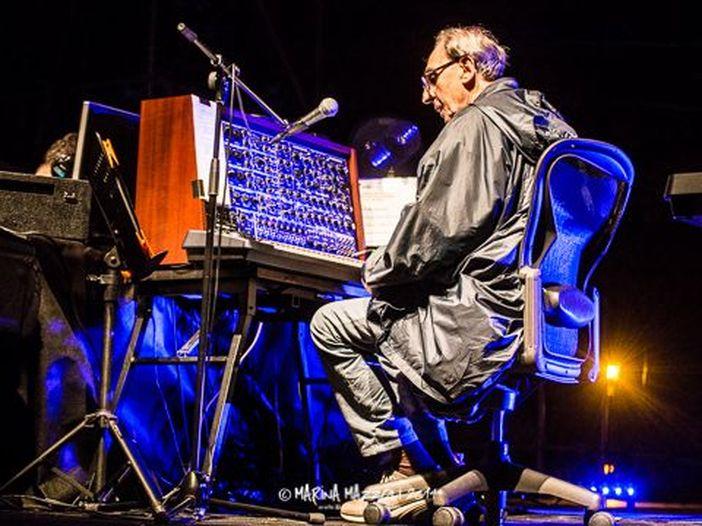 Addio a Peter Zinovieff, genio dei sintetizzatori: il suo VCS3 fu usato anche da Battiato