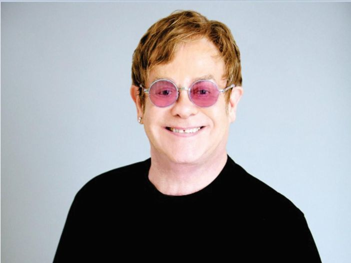 Elton John, il video del nuovo singolo 'Blue wonderful' - GUARDA