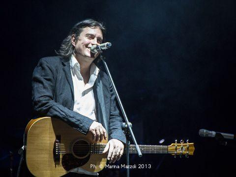 Cristiano De André ferma il tour, deve essere operato alle corde vocali