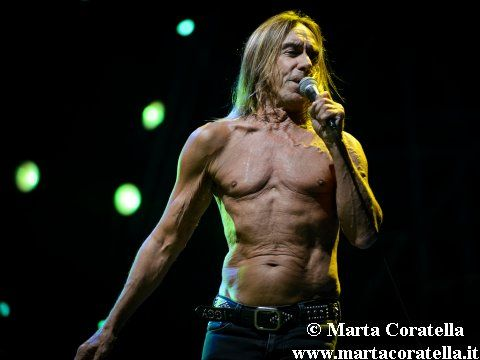 Accadde nel rock, oggi 27 aprile: Iggy Pop, Pink Floyd, David Bowie, Smashing Pumpkins, B-52's, Kiss, Isobel Campbell, Sheena Easton, Kingsmen, Dj E-Z Rock, Studio 54
