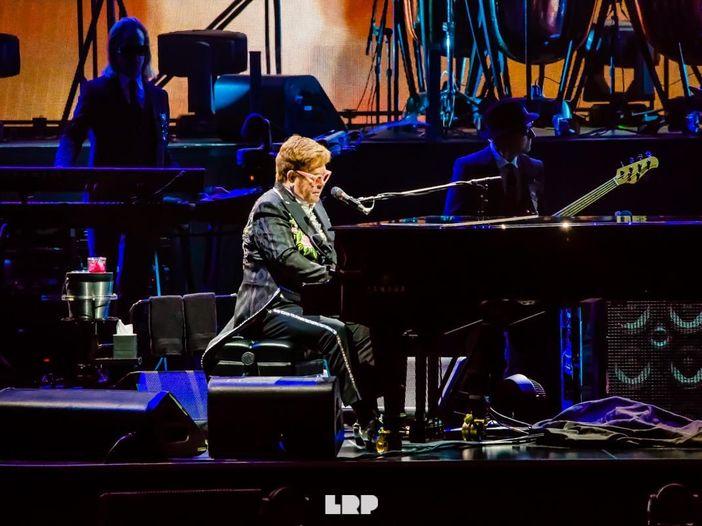 Elton John, di come George Harrison l'ha aiutato a combattere la dipendenza