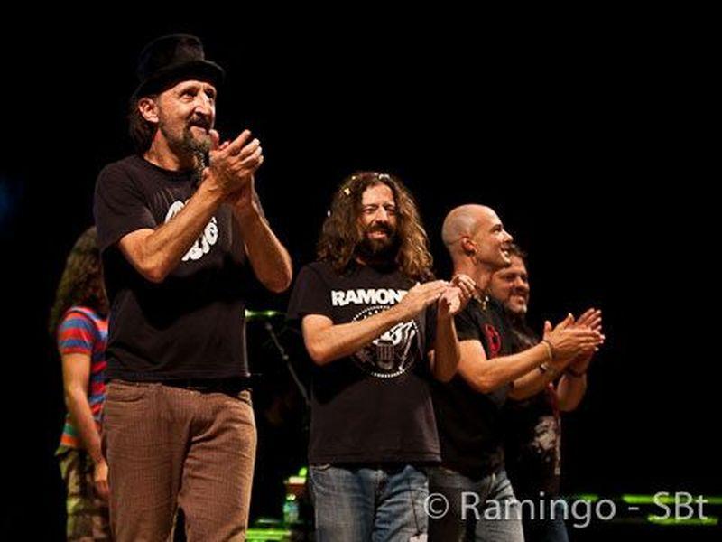 16 Ottobre 2010 - Premio Ciampi - Teatro Goldoni - Livorno - Bandabardò in concerto