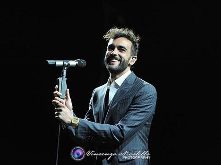 """Marco Mengoni: esce il singolo """"Sai che"""", l'album """"Marco Mengoni live"""" e parte il tour - COPERTINA"""