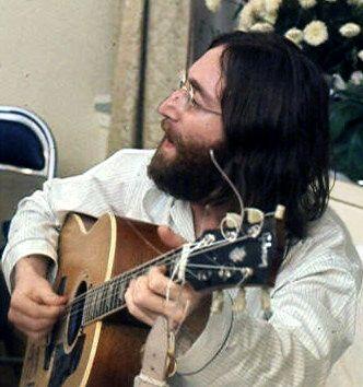 Accadde nel rock, oggi 2 luglio: John Lennon, Roy Bittan, Michelle Branch, Lindsay Lohan, Jerry Hall