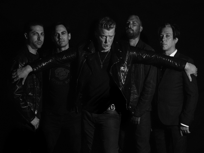 Queens Of The Stone Age: a gennaio la band torna in studio per il nuovo album