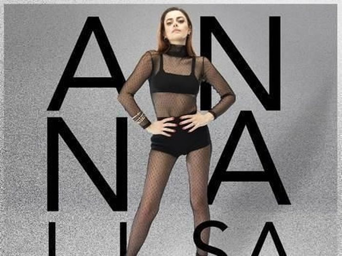 "Annalisa ospite ad Amici 2020 canta ""Dieci"""