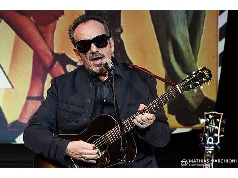 "Elvis Costello pubblica l'album ""The Boy Named If"""