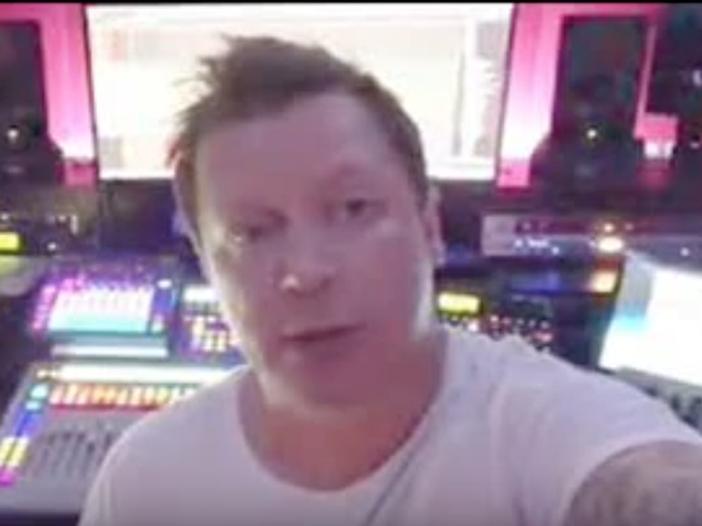 DJ Adam Sky morto dissanguato per aiutare un'amica