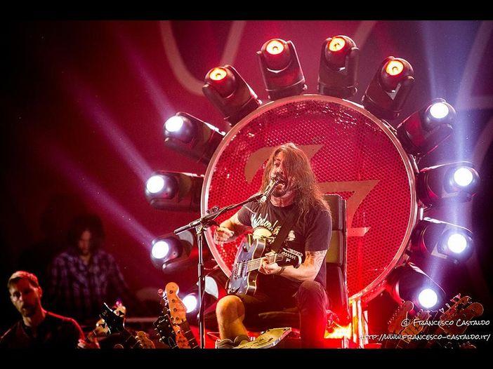 Dave Grohl: 'Il trono di chitarre dei Foo Fighters? L'idea più stupida che potessi avere. Ma...'