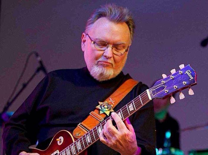 Addio a Ed King, l'ex chitarrista dei Lynyrd Skynyrd è morto a 68 anni