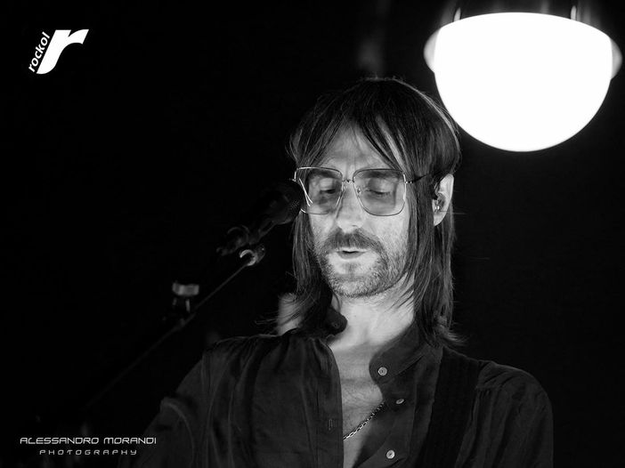 Francesco Bianconi: ascolta il suo primo singolo solista, 'Il bene'