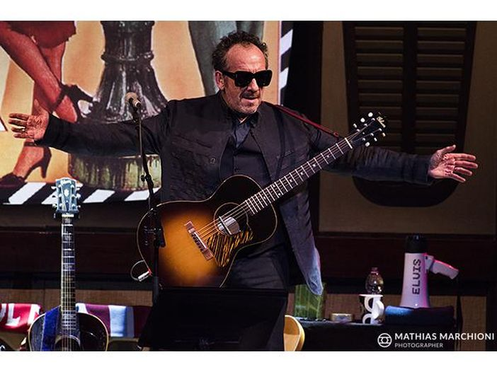 Elvis Costello campiona Mina nel nuovo disco
