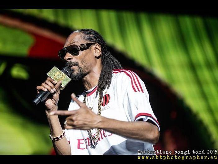 Snoop Dogg, ascolta la nuova canzone 'Late nights' e guarda l'intervista con Nardwuar (un personaggio tutto da scoprire)