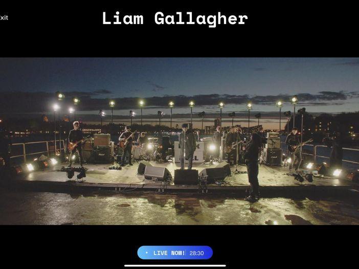 In streaming sul Tamigi con Liam Gallagher