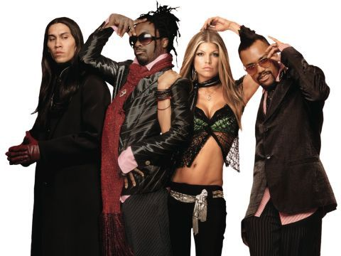 Il manager dei Black Eyed Peas aggredisce Perez Hilton, re del gossip USA