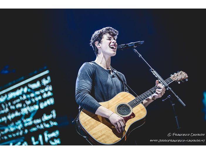Shawn Mendes live al Forum di Assago: la scaletta e i video