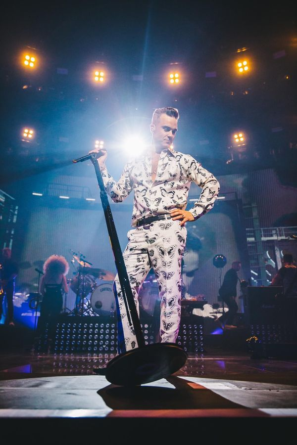 http://www.rockol.it/img/foto/upload/250916-ldn-aw-robbie-williams-00005-web.jpg