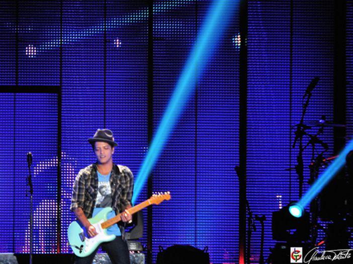 Bruno Mars al Forum di Assago: il report del concerto