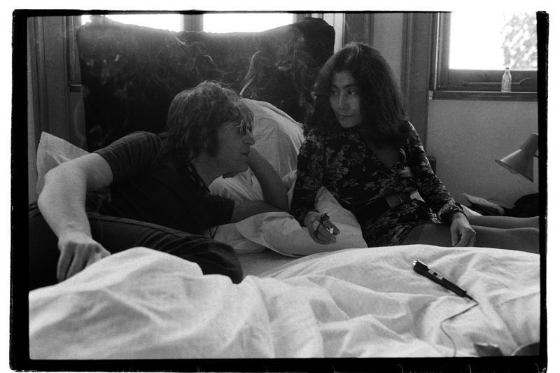L'assassino di John Lennon si è scusato con Yoko Ono 'per il dolore che le ha causato'