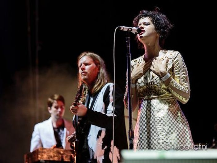 Arcade Fire, ieri sera a Barcellona il primo concerto dopo due anni - VIDEO