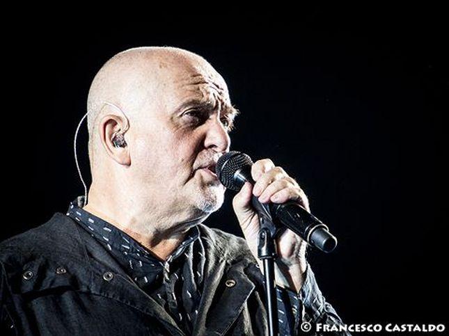 Peter Gabriel pubblica un concerto per raccogliere fondi per l'Italia