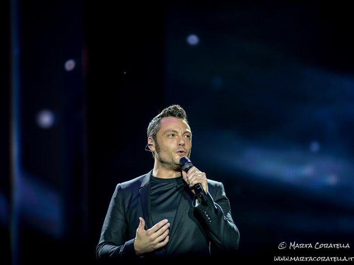Sanremo 2020: Tiziano Ferro devolve il suo compenso in beneficenza