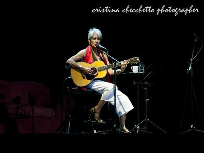 Torna Joan Baez con 'Day after tomorrow'