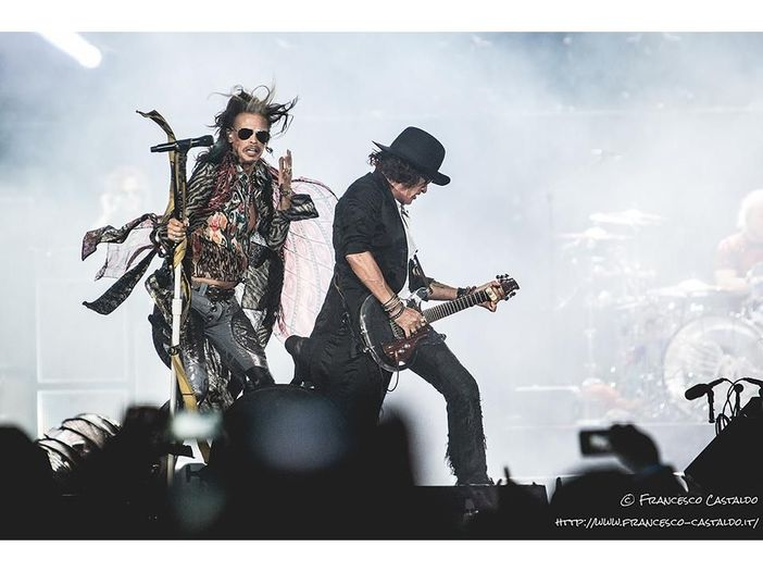 "Aerosmith, la rivelazione: ""I don't want to miss a thing"" doveva cantarla una donna"