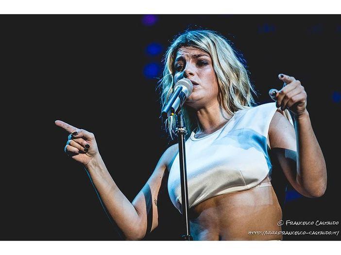 """Emma, esce il cofanetto """"Adesso - Tour Edition"""" - COPERTINA"""
