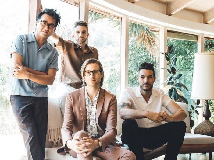 I Saint Motel accendono la 'Saintmotelevision', un viaggio nel pop cinematico – INTERVISTA