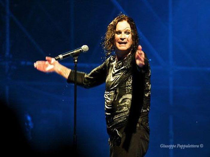 """Sharon Osbourne conferma: lei e Ozzy sono ancora insieme, ma lui """"è un lurido cane e la pagherà carissima"""" - VIDEO"""