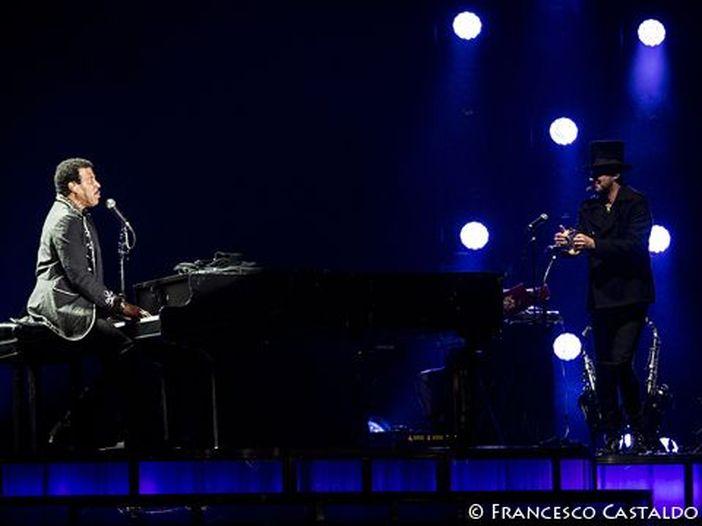Duetto Lionel Richie -Dionne Warwick a Catania?