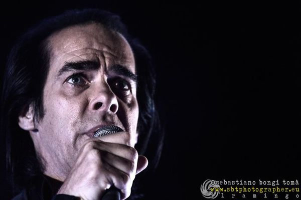 "Nick Cave, il docu-film ""One more time with feeling"" presentato alla Mostra del Cinema di Venezia commuove la platea"