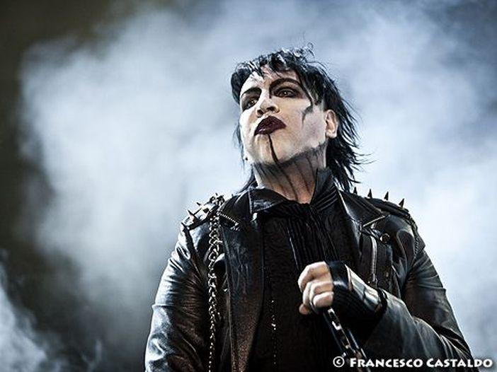 Marilyn Manson è accusato dall'attrice Charlyne Yi di molestie e commenti razzisti