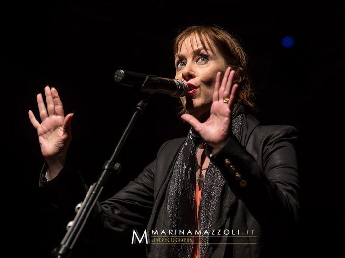 Concerti, Suzanne Vega aggiunge due live al suo tour italiano