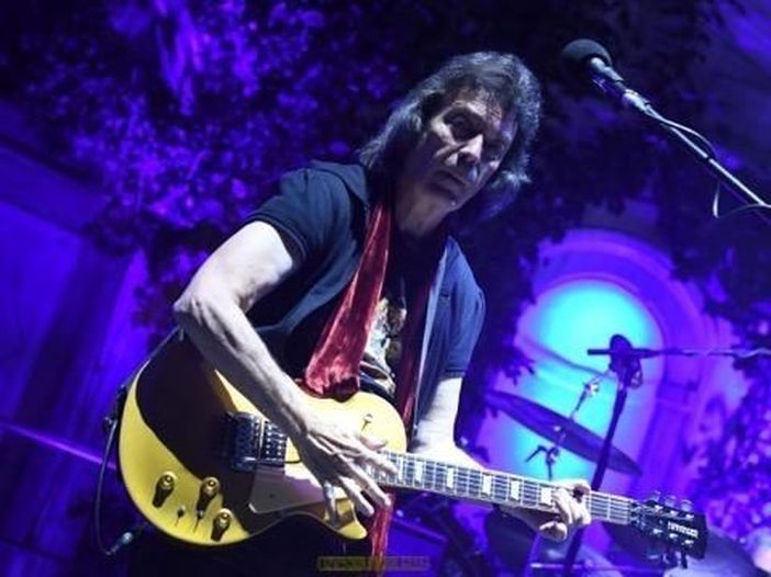 Steve Hackett, ascolta il nuovo brano 'Beasts In Our Time'