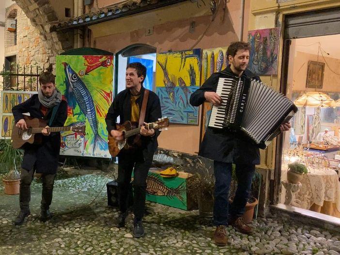 Eugenio in Via di Gioia, è uscito il nuovo album: 'La 'Natura viva' che osserviamo in strada di notte'. Video