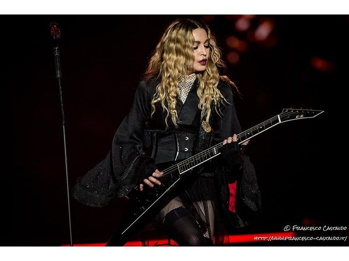 Se rivuole la Maverick, Madonna dovrà pagarla cara: parola di Warner