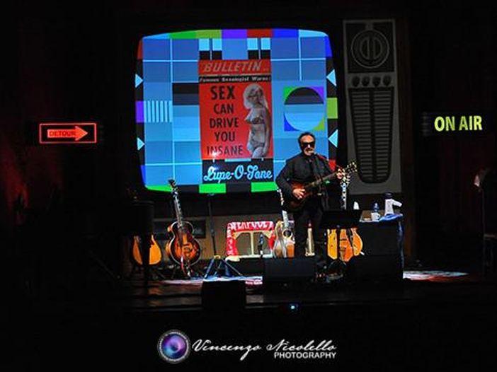 Elvis Costello e i Roots, a settembre il nuovo album 'Wise up ghost'