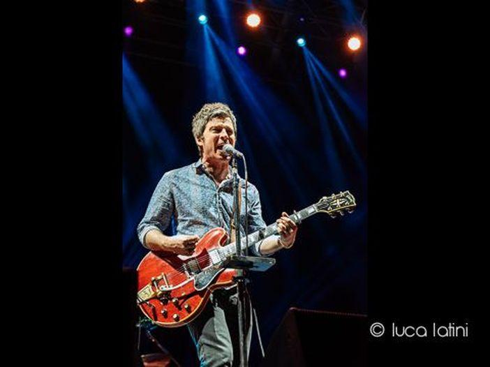 Noel Gallagher: esce 'It's a Beautiful World', la terza anticipazione di 'Who Built The Moon?'