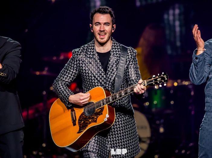 Jonas Brothers, Nick adora il nuovo album del fratello Joe