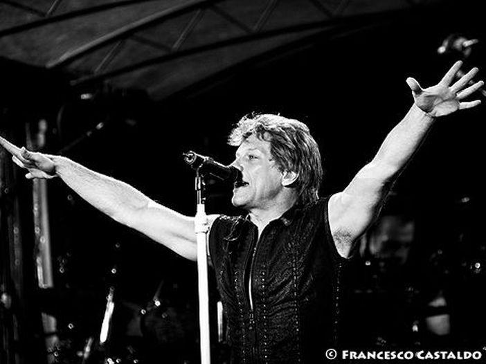 Classifiche, Billboard album chart: primi Bon Jovi, 2° David Bowie