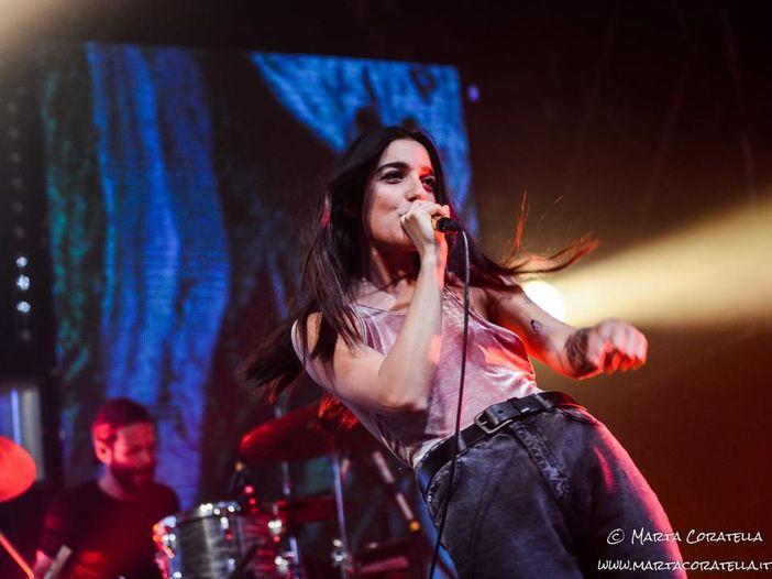 Levante, nel caos di un concerto stupefacente: ecco com'è stata la prima data del tour